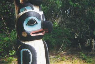 Photo: Beeblebrox. Creative Commons Attribution-Share Alike 3.0 Generic Unported. Raven totem, also in Sitka.